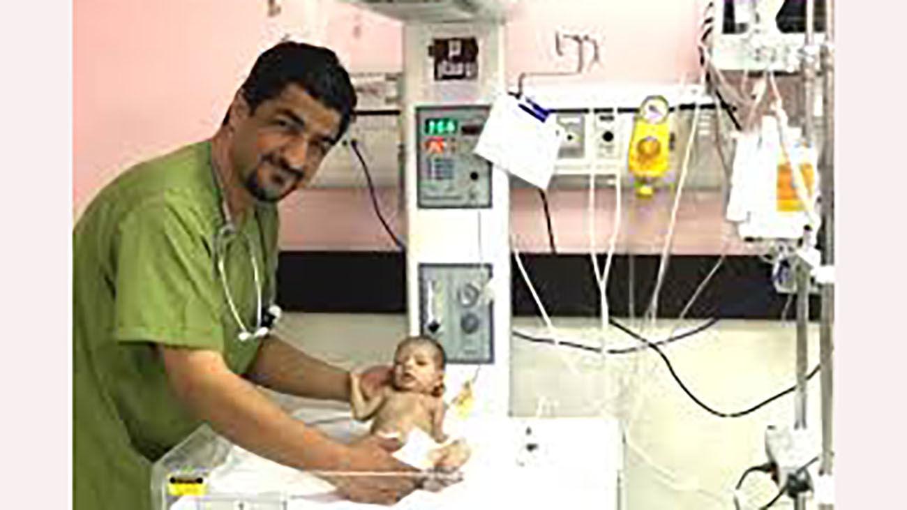 دکتر علیرضا حقیقی در کرمان بر اثر کرونا در گذشت